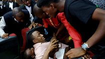 A fight breaks out as security personnel attempt to re-arrest Nigerian activist Omoyele Sowore at the Federal High Court in Abuja, Nigeria December 6, 2019.